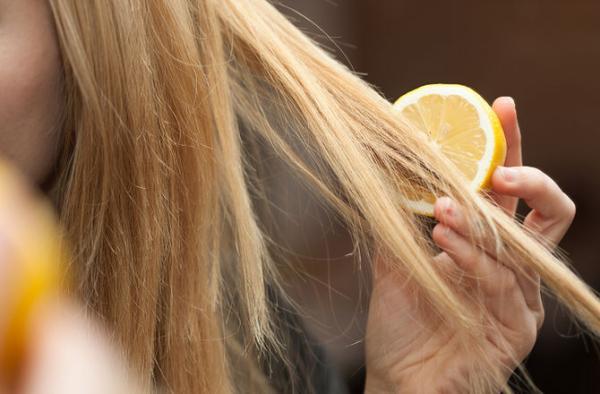 sok od limuna za kosu